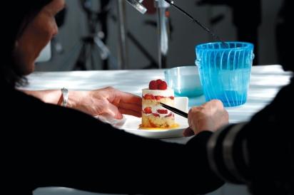 Styling a cake